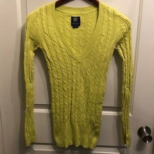 Citron cable sweater like new!